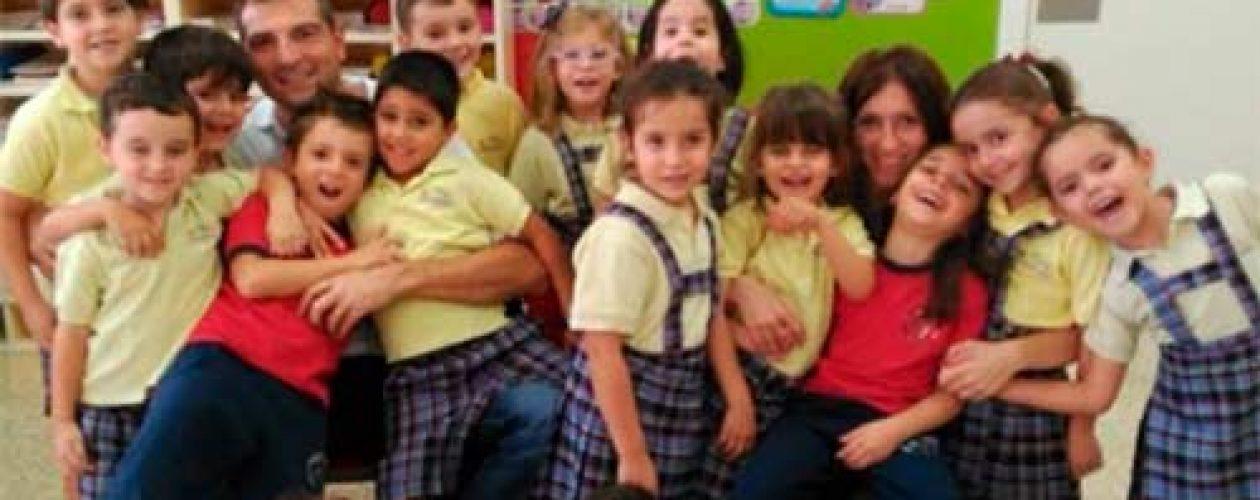 Cuentacuentos: 'Es bellísimo hacer felices a nuestros pequeños'